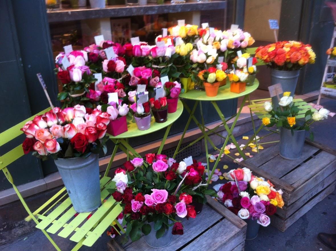 パリのお気に入りのバラ屋さん、「南国のバラ」に思いを寄せて